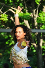 Week-end du monde - Parc Jean-Drapeau (abdallahh) Tags: canada girl beautiful pretty montral weekend band dancer du international morocco qubec maroc belle congo monde fille groupe parc jeandrapeau danceuse  marocaine qubcoise unitt multiculturel  eoshe