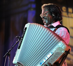 Buckwheat Zydeco (Joao Eduardo Figueiredo) Tags: 2008 joão joao eduardo figueiredo joaoeduardofigueiredochicago blues festival fest grant park mayors office legendary bluesmen legends live música musicians stage stages alligator records tribute tradition performance crowd público concert show gig juke joint blue roots allstar lineup maxwell street corner band group appearance entertainment cross roads petrillo music shell front porch guest performers nikon summer act acts icons artists audience admission venue musical performances us usa buckwheat zydeco chicagobluesfestival