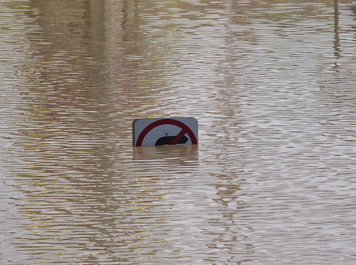 No right turn - Brisbane Floods
