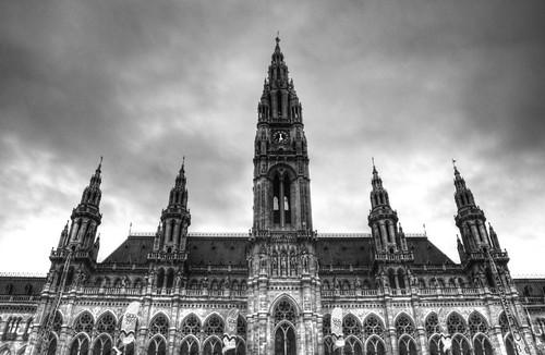 Vienna city hall facade. Fachada del ayuntamiento de Viena