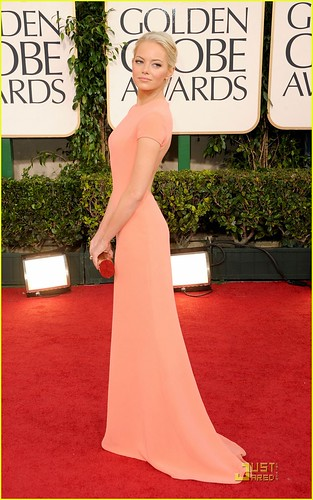 emma-stone-2011-red-carpet-golden-globe-awards-02
