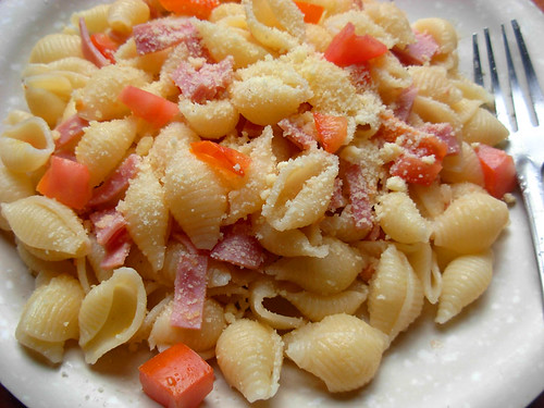Simple Ham and Tomato Pasta