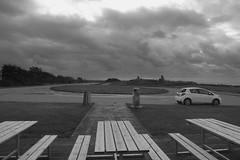 Turningpoint (Ken-Zan) Tags: turningpoint falkenberg bw kenzan yaris ljunghav car bänkar öde rastplats beach
