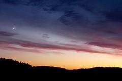 Swedish evening (Tina K) Tags: sverige sweden dalsland himmel solnedgang lilla mne moon crescent pink