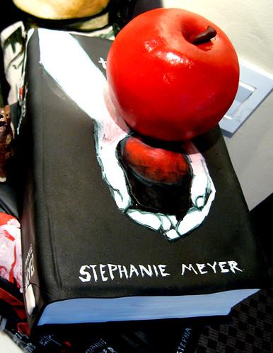 twilight birthday cake apple
