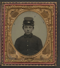 [Unidentified young soldier in Union uniform a...