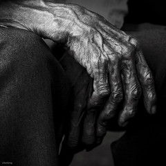 Old hand (-clicking-) Tags: life old bw man texture monochrome composition square hands asia dof time hard vietnam squareformat older oldtime eld nocolors hardlife 500x500 oldhand blackwhitephotos bntay eldly winner500 100commentgroup nhentrng winner500x500bestof bestcapturesaoi elitegalleryaoi