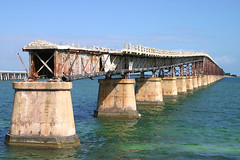 Bahia Honda Bridge wreck - Florida (Andrew_Simpson) Tags: bridge sea usa tree gulfofmexico america us florida palm palmtree fl keywest floridakeys railwaybridge thefloridakeys bahiahondabridge oldbahiahondabridge disusedbridge mexicangulf bahiahondakey railwatbridge floridaeastcoastrailroad bahiakey bahiarailwaybridge
