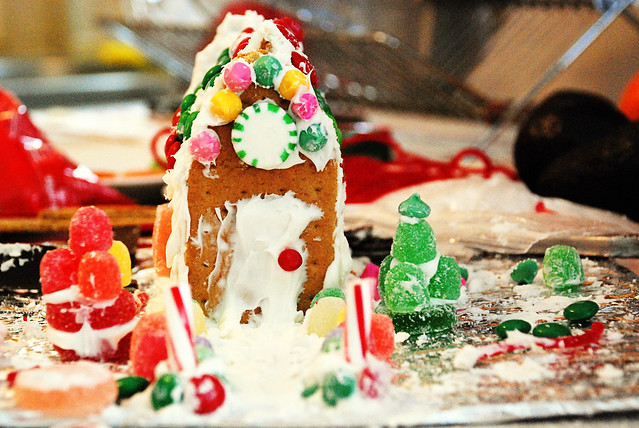Gingerbread (Graham Cracker) House
