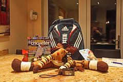 selfportrait kitchen birdfeeder presents granite cricketer draughtexcluder canoneos450d graemeswann merrychristmas2010 sonydsctx5