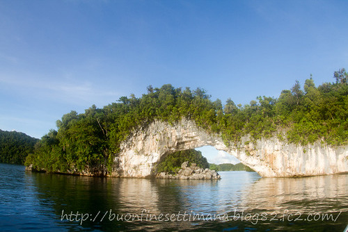 Palau Arched rock