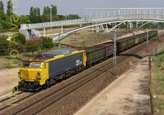 251.012 13.7.2007 (Mariano Alvaro) Tags: madrid train tren juan carlos renfe ifema 251 ealos