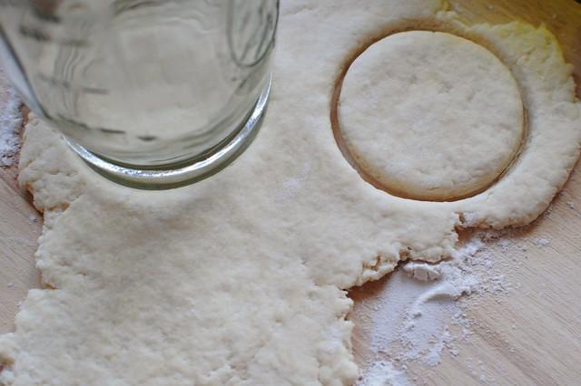 mason jar biscuit cutter