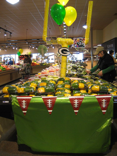 Green Bay Packers food display at Sendik's