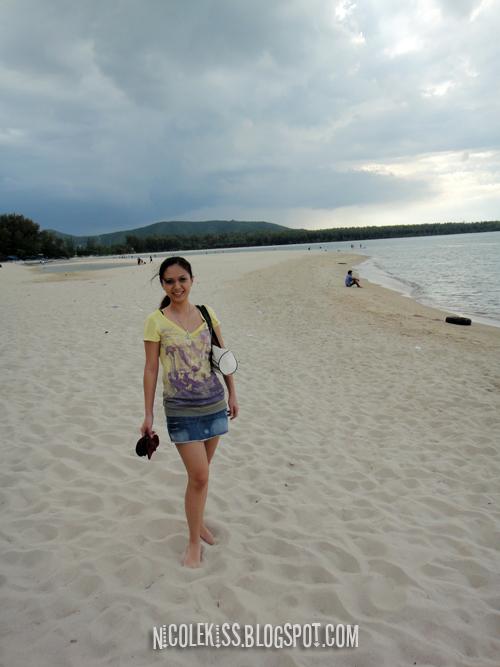 wendy at samila beach