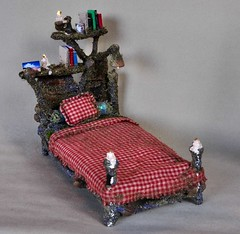 Fairy House Bed (Torisaur) Tags: gnome wizard fairy hobbit faerie dollhouse fae dollshouse fairyhouse faeriehouse