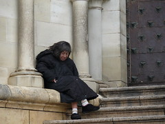 La pobre de la catedral/Poor Woman at the Cathedral (Joe Lomas) Tags: poverty street leica urban espaa calle spain candid poor beggar reality streetphoto urbano pobre cuenca indigente mendigo lastima pobreza indigencia urbanphoto realidad sintecho callejero poorness limosna robados realphoto necesitado pordiosero limosnero fotourbana fotoenlacalle fotoreal photostakenwithaleica 4tografie