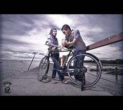 Anwar & Diyana (akarkayu) Tags: lighting sunset nikon jetty flash tokina muar d90 strobist akarkayu