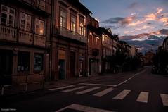 amaneciendo en Braga (- GD photography -) Tags: street house sol portugal casa calle edificio amanecer paso salida vacaciones braga 2010 azulejos amaneciendo peatones ilustrarportugal