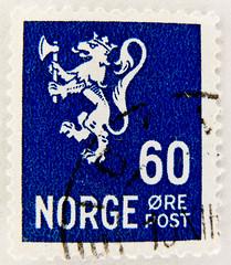 stamp Norge 60 ö postzegel Noreg 60 Öre Norway armorial bearings hatchments stamps Norwegen Briefmarke lion Leone shīzi Löwe (stampolina, thx ! :)) Tags: marka postage porto franco briefmarke stamp stamps francobollo timbres timbre sellos selo bollo blue blau bleue azzurroazul марка jíyóu 集邮 tiere animals маркаевропа yóupiàoōuzhōu noreg norge norway norwegen norvège noruega norvegia 挪威 nuówēi 挪威王国 斯堪地那维亚 scandinavie escandinavia скандинав hatchments shields flags timbreposte azzur azul azzurro 兰色 голубой postes norwegian أزرق 蓝色 ブルー синий mavi blu niebieski blå kék blauw biru สีน้ำเงิน modrý μπλε כחול 切手 नीला 푸른 màuxanh sininen frimärken noorwegen νορβηγία γραμματόσημα 邮票 postapulu
