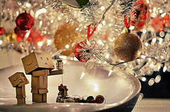 X'mas Decor [Explore #4 & FP] (Gary Ngo | Photography) Tags: christmas xmas light tree toys 50mm nikon bokeh f14 decoration explore decor frontpage danbo janpanese danboard d7000