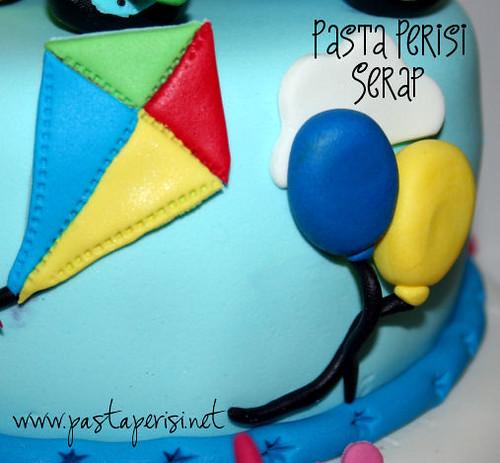 2 yaş balon-uçurtma pastası