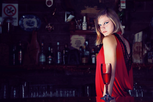 [フリー画像] 人物, 女性, 酒・アルコール, 201101062100
