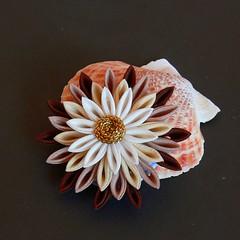 Silky Christmas (Wisteria Gardens) Tags: handmade brooch silk maiko geiko earrings tsumami kanzashi