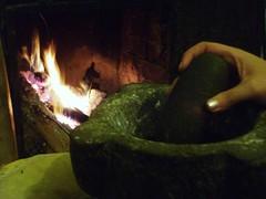 pisatur (mortaio in pietra ) (ermelinda88) Tags: mani natura campagna mio della natale padre calabria cucina spettacolo limoni montegiordano salato maternit magiche casadolcecasa camapagna salatura ipitt foglieefrutto