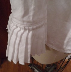 Closeup_pleated_cuff_unironed