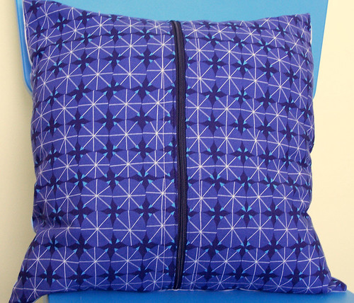 Dark Blue Dots Pillow Back with Zipper
