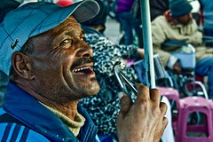 the dentist (flequi) Tags: africa plaza new city winter people colour colors kids canon square eos place african year country north january ciudad nios morocco campo marrakech dentist marruecos marroc moroccan dentista jama adultos fna marroquis