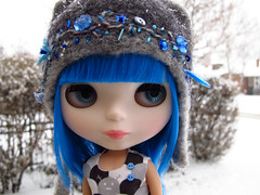 (luxielou) Tags: snow doll denver blythe et shea sss eurotrash colorad buttonarcade sparklyspark