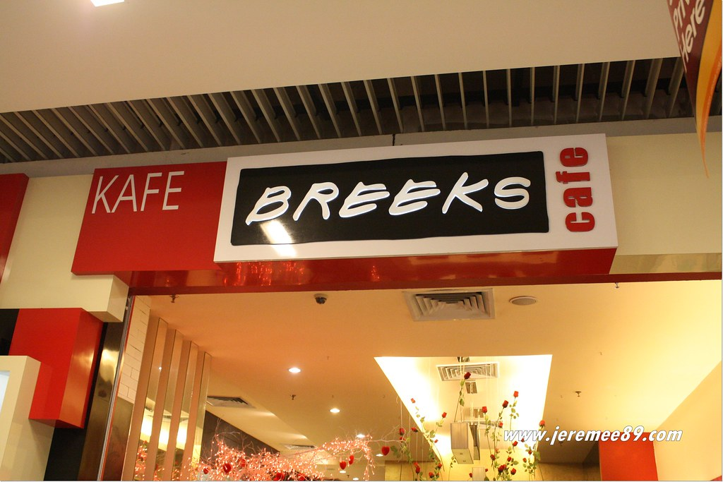 Breeks Cafe @ Queensbay Mall