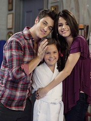 wizards of waverly place new episode on set (fly with the space girl) Tags: family justin david stars kevin brothers nick joe disney semi teen madison demi cyrus jonas selena gomez nemi season4 jelena bieber miley henrie daddyslittlegirl bailee lovato delena jemi niley zanessa newepisode wizardsofwaverlyplace nelena