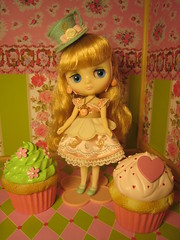 "Middie Blythe ""Macaron Q-Tea Party"""