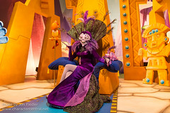 DDE May 2013 - Disney Dreamers Everywhere Gala Dinner Show and Grand Finale (PeterPanFan) Tags: travel vacation france canon spring europe character may disney characters villains kronk disneylandparis dlp yzma disneylandresortparis dde disneycharacters disneycharacter grandfinale marnelavalle 2013 theemperorsnewgroove disneyparks disneydreamers discoveryhall canoneos5dmarkiii seasonsholidaysandevents disneysemperorsnewgroove disneydreamerseverywhere parisdisneydreameruniversity disneydreamerseverywheregaladinnershow disneydreamerseverywheregaladinnershowandgrandfinale