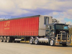 photo by secret squirrel (secret squirrel6) Tags: secretsquirrel6truckphotos craigjohnsontruckphotos kenworth kw cabover coe echuca black taughtliner semitrailer bigrig flickr photo