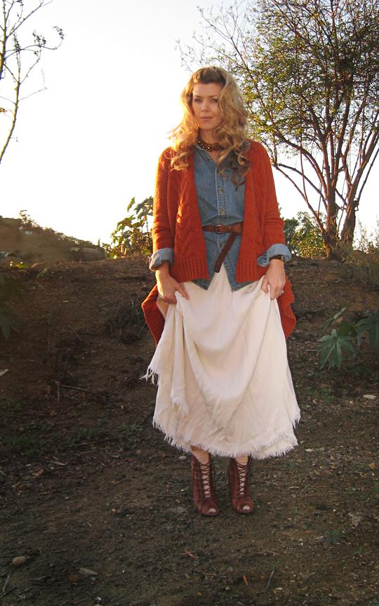 ralph lauren 1980's look+long winter white vintage skirt+denim shirt+curled hair+lace up boots