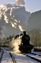 polar express (midcheshireman) Tags: wales train steam locomotive llangollen greatwestern santaspecial