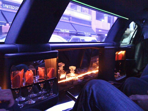 101105 Limo ride to airport 01
