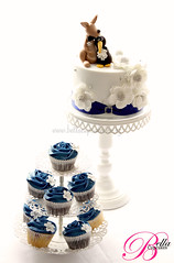 Perfect Match (Bella Cupcakes (Vanessa Iti)) Tags: blue wedding white silver blossoms cupcake kangaroo nz kiwi aussies cupcaketower roseswirl bellacupcakes