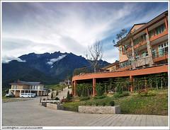 Dream World Resort, Mesilau Kundasang (sam4605) Tags: world mountain holiday building landscape ed scenery dream olympus resort borneo e1 sabah kinabalu pemandangan kundasang mesilau ranau zd gunungkinabalu bangunan sabahborneo dreamworldresort 1260mm peranginan