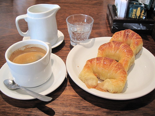 Cafe con leche con medialunas, the typical Argentinean breakfast