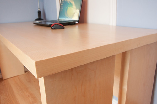 Lightweight panels - Maple desk
