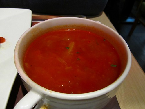 環球-咖哩匠-前菜-蔬菜番茄湯.jpg