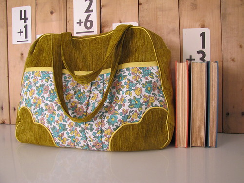 Weekender Bag-Vintage floral fabric