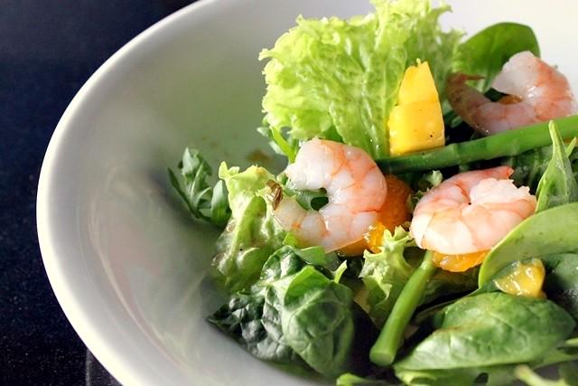 Prawn Salad with Asparagus & Mango