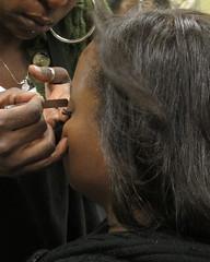 IMG_0659_eyelashes (parlance) Tags: california closeup fan losangeles hands raw eyelashes glue working hairdresser blackpeople customer salon client atwork falseeyelashes applying blackwomen parlance canonpowershots90 canons90 fadedblurred3652010