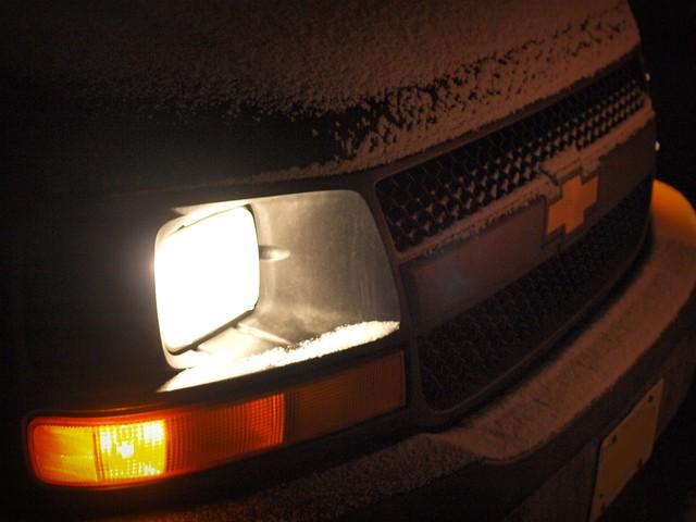 snow toronto ontario canada chevrolet chevy express 2500 worldcars 2011inphotos